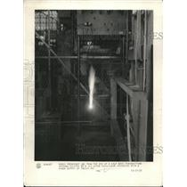 1927 Press Photo Radio Frequency Arc from End of a Half Wave Transmitter