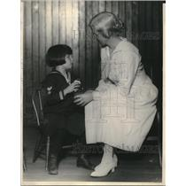 1923 Press Photo Blind Margaret Malfetti and her teacher Marion Miller