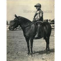 1925 Press Photo Major Solbet's son Peter Solbert at National Capitol Horse Show