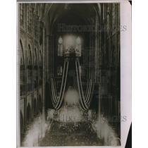 1920 Press Photo Interior of the Notre Dame Cathedral during funeral service