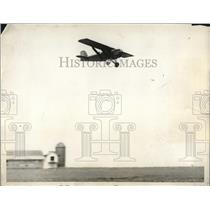 1930 Press Photo Aircraft Pacer Plane Climbs High Into The Sky At Hadley Field
