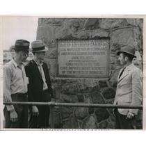 1937 Press Photo Workers of Newton Mills of Republic Steel Plant Monroe Michigan