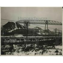 1926 Press Photo Penna Iron Ore Piles And Equipment Near Cleveland