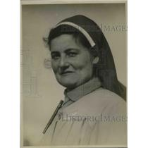 1920 Press Photo Mlle. Martha Angels Distributed American Supplies to French