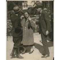 1924 Press Photo Mrs Antoinette Fedelli Being Arrested Police