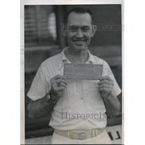 1939 Press Photo Claude Elkins with his winning ticket
