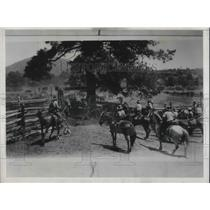 1932 Press Photo Cowboys On Horses At Ranch Of John Greenway