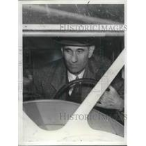 1939 Press Photo Dr John D. B rock flew 3652 consecutive days flying proves