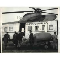 1968 Press Photo Passengers Board Greenlandair Helicopter At Godthaab Greenland