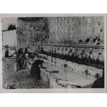 1936 Press Photo A fountain of 99 stone heads