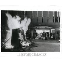 1969 Press Photo Rutgers University Burning Effigy Of Racist Faculty Members