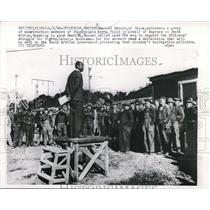 1960 Press Photo Ghana's Emanuel Renner Addresses Construction Workers