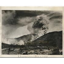 1931 Press Photo Forest fire blazes in Montana