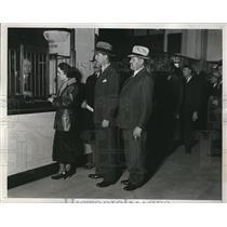 1933 Press Photo Detroit Payroll Money arrives - nec34544