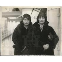1930 Press Photo Most Deserving Girl Mary Sweeney with chaperon Helen Schade