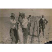 1921 Press Photo Mrs Harding & Sen, Hale & fish he landed