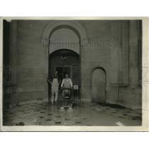 1920 Press Photo Marble floors in Statuary Hall being plished
