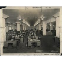 1924 Press Photo Part of the largest office in Wisconsin. The Journal.