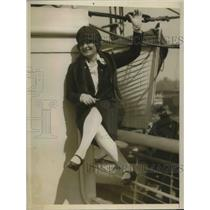 1925 Press Photo Cara Giana, American singer on SS Acquitania - nec45372
