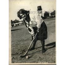 1924 Press Photo Velma Schmidt from Oakland Technical high school playing golf.