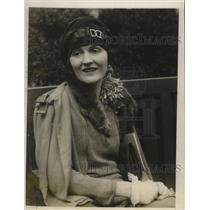 1926 Press Photo Actress Eleanor Woodruff at the Hotel Ambassador, NYC