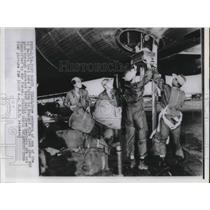 Press Photo Fort Worth Texas B-26 Plane Crew Air Force