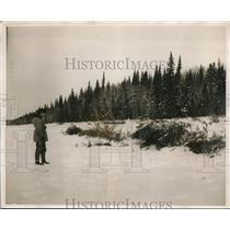 1938 Press Photo Frozen Wilderness Surrounding Encampment