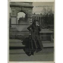 1918 Press Photo Broadway actress Eleanor Woodruff in PAris, France