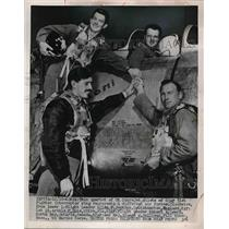 1953 Press Photo Quartet of UN Sabrejet pilots of USAF 51st Fighter.