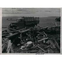 1936 Press Photo Wreckage of freighter at Columbia River as Coast Guard searches