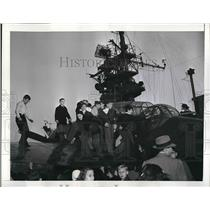 1945 Press Photo School kids during field trip to the Aircraft Carrier Monterey.