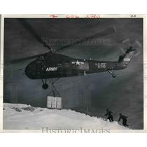 1960 Press Photo An H-34 light cargo helicopter of the US Army - nem01201