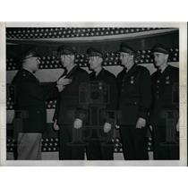 1943 Press Photo Honored Contract Carries Crew to Five American Airlines Airmen.