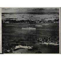 1932 Press Photo Aerial view of US ships in harbor at Coconut Island