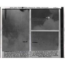 1956 Press Photo Eglin AFB in Fla. F-102A jet fires Falcon missle - nem03767