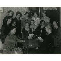 1929 Press Photo Peoria Rummy Club Gathers Round Table For Card Game