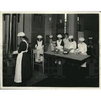 1919 Press Photo Maids At Domestic Science Class At Lenox Vocational School