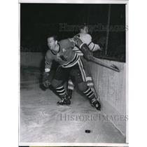 1958 Press Photo Jim Thomson, Chicago Black Hawks, Gerry James, Maple Leafs