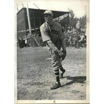 1934 Press Photo Raymond F Starr, Boston Braves pitcher, spring training