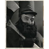 1940 Press Photo Len Costley as Paul Bunyan in the North woods