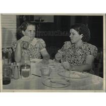 1938 Press Photo Mrs MF Braxton, Mrs Pedro Braxton, husbands did kidnapping