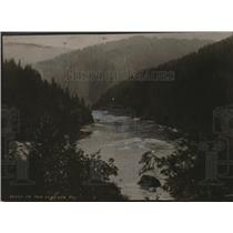 1918 Press Photo Scenic River, Mountains