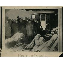 1926 Press Photo People Crowd Around Mining Disaster