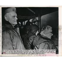 1949 Press Photo Rep Chase Going Woodward & Rep Reva Bosone to watch aircraft