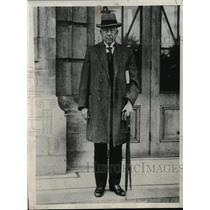 1933 Press Photo Dr Colian Dutch Premier arrives in London - nec67614