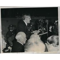 1934 Press Photo Dr. A.L. Barker of John Hopkins University speaks at Hitler tri