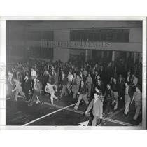 1941 Press Photo workers at Lockheed Aircraft Corp. after shift at Burbank plant