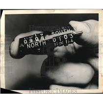 1960 Press Photo Airplane pinion counters by Eclipse Pioneer of Bendix Co,