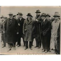 1927 Press Photo Berlin, Germany Von Schubert, Brandenberg await Lindberg monopl