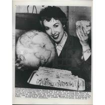 1953 Press Photo Seattle Pam Martin on round the world flight for record 90 hrs